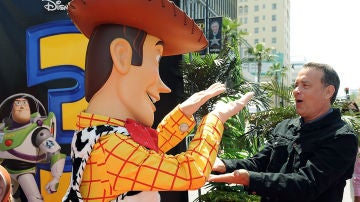 Tom Hanks junto a Woody de 'Toy Story'