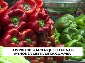 Los españoles llenamos menos nuestra cesta de la compra pero se incrementa nuestro gasto