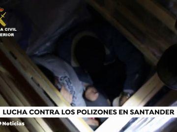 Polizones en el puerto de Santander