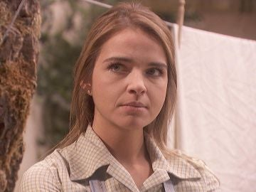 """Isaac, a Antolina: """"¿Cómo te da la sesera para decir tantas tonterías?"""""""