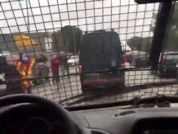 Se filtra un vídeo grabado en un furgón de la Guardia Civil del traslado de los presos