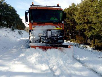 La nieve obliga a cortar otra vez la autovía Rías Bajas a camiones en Zamora