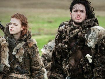 Kit Harington y Rose Leslie, Ygritte y Jon Snow en 'Juego de Tronos'