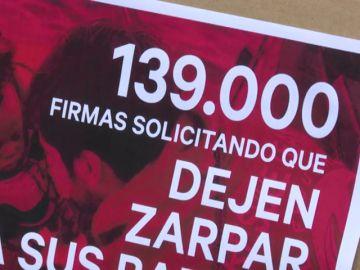 Presentadas 139.000 firmas en el Congreso para que los barcos Aita Mari y Open Arms continúen su labor humanitaria