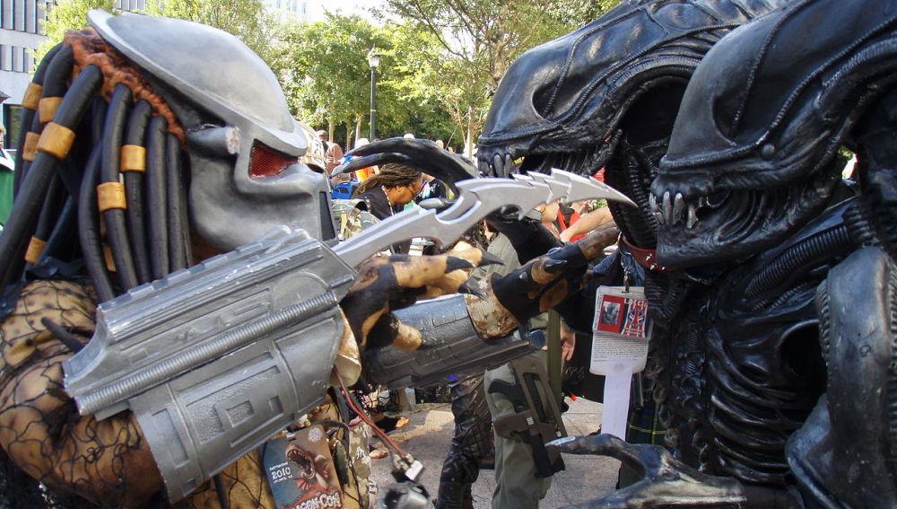 Alien VS Predator en la Dragon*Con 2010