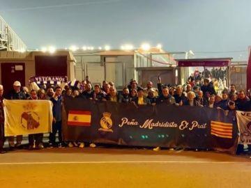 La peña madridista de El Prat denuncia que vetaron su pancarta en el Clásico y permitieron las independentistas
