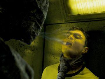Harry Potter siendo atacado por un dementor