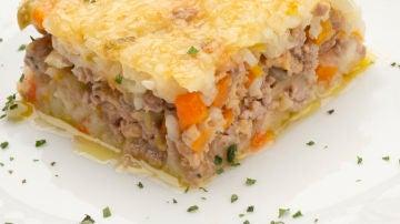 Pastel de arroz y carne picada