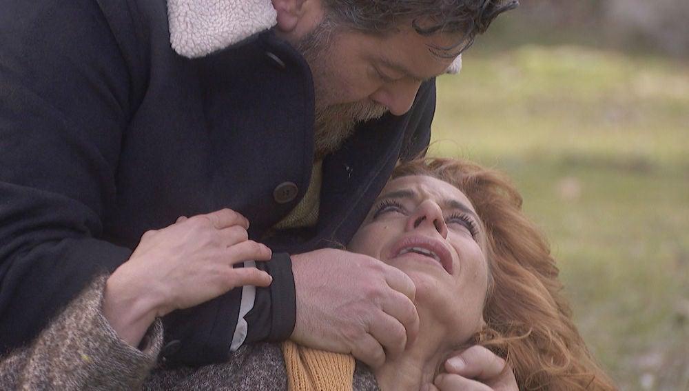 """Fe, en brazos de Mauricio: """"Me muero"""""""