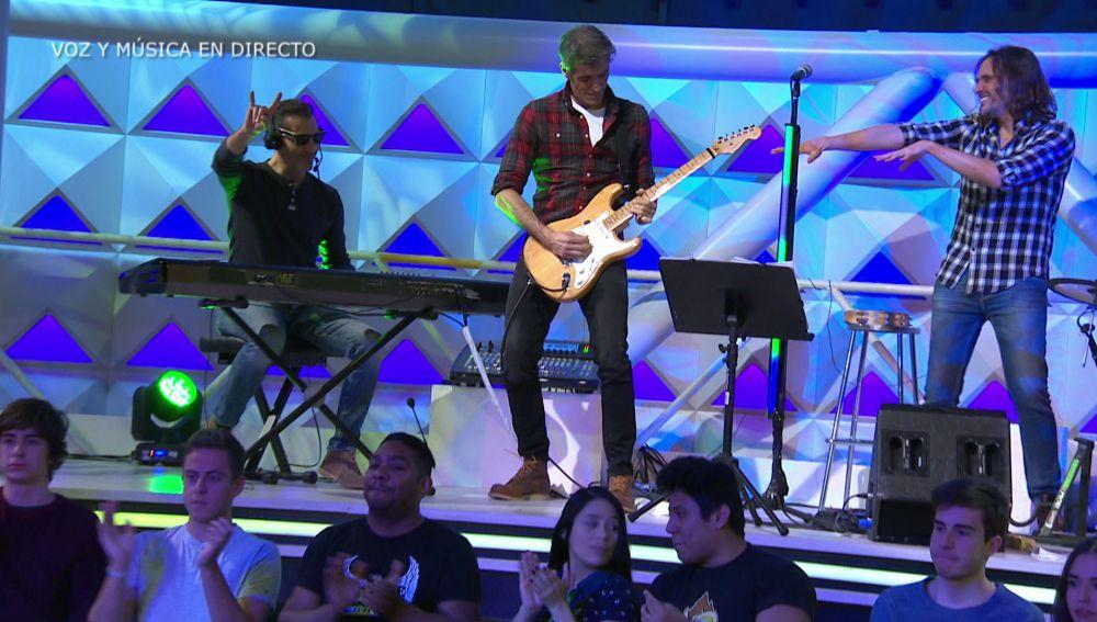 Jorge Fernández toca con la banda de 'La Ruleta de la suerte' su canción favorita