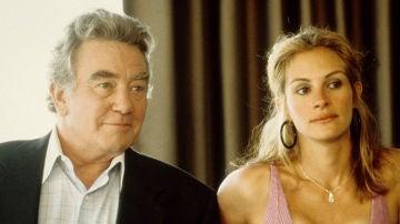 Albert Finney junto a Julia Roberts en 'Erin Brockovich'