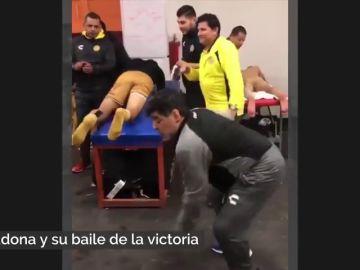 Simplemente Diego: el bailecito de la victoria de Maradona en el vestuario del Dorados