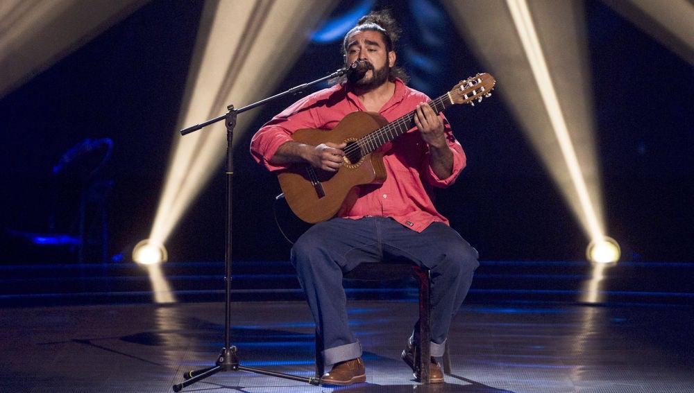 Vídeo: Tomás Basso canta 'Eu sei que vou te amar' en las 'Audiciones a ciegas'