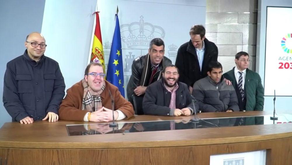 El equipo de 'Campeones' pide a Sánchez más ayudas para personas con discapacidad en su visita a La Moncloa