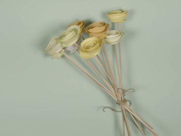 Cómo hacer un original ramo de flores de cartulina