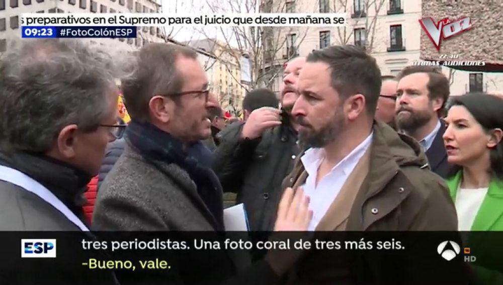 """Así organizó Maroto la foto de Casado y Rivera con Santiago Abascal: """"Cuando aplaudan 'Viva España' tienes que salir"""""""