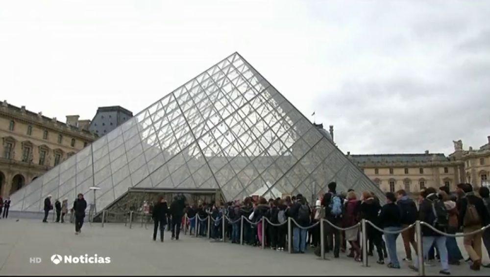 El nuevo experimento de Macron para fomentar la cultura en Francia