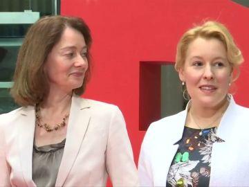 Una ministra alemana investigada por un posible plagio de su tesis