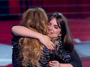 Vídeo: Paulina Rubio suma la voz de Natalia Bradi a su equipo