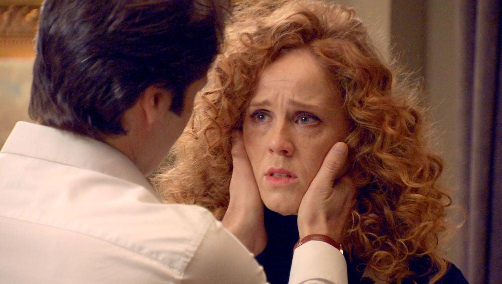 Gabriel insiste en pasar la noche con Natalia