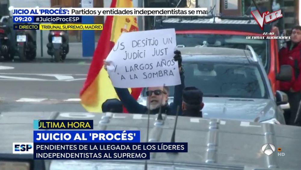 La manifestación ciudadana que frustró la Policía a la llegada de los independentistas al Supremo