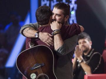 Vídeo: Antonio Orozco consigue a Shaddai López en su equipo