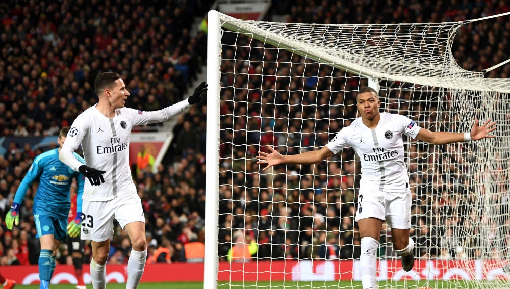 Mbappé celebra su gol en Old Trafford