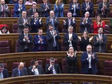 Rivera es aplaudido por su partido tras reprochar a Montero la situación que viven las familias en Cataluña