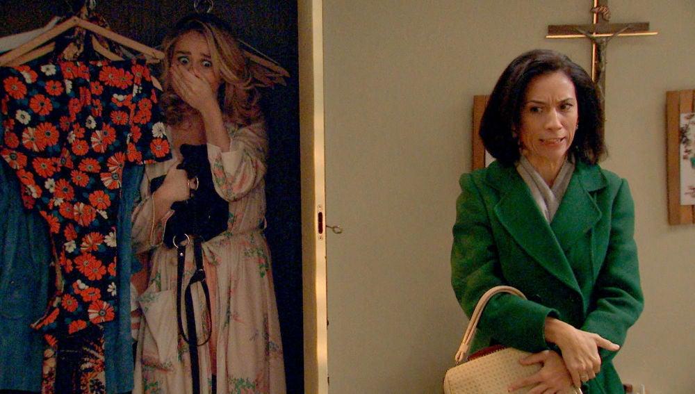 Manolita irrumpe con ira en la intimidad de Amelia y Luisita