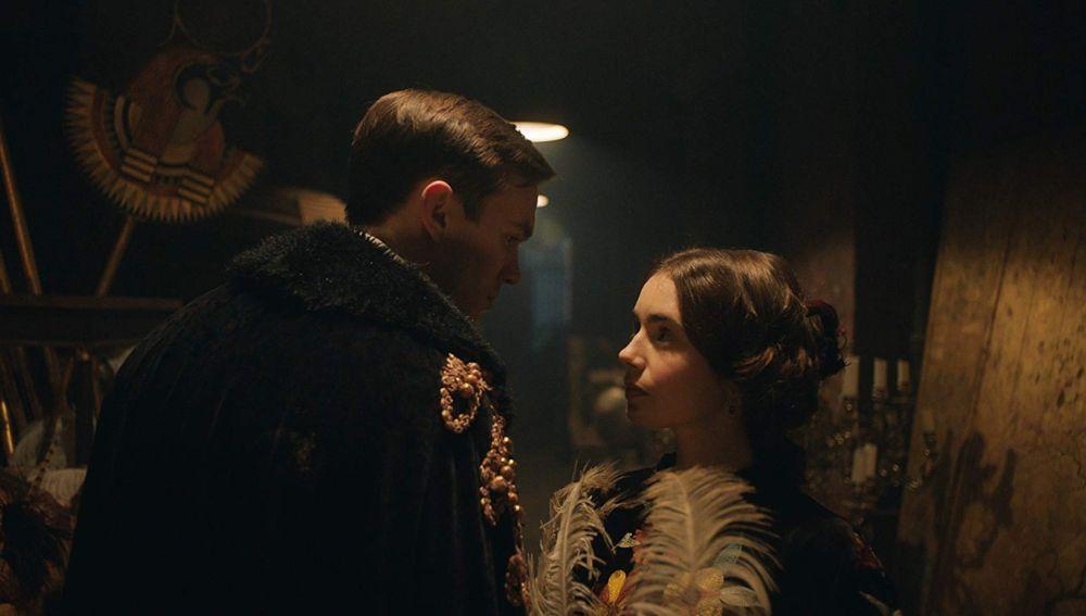 Nicholas Hoult y Lily Collins en 'Tolkien'