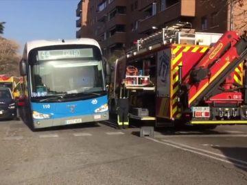 Un autobús de la EMT atropella a un hombre en Madrid