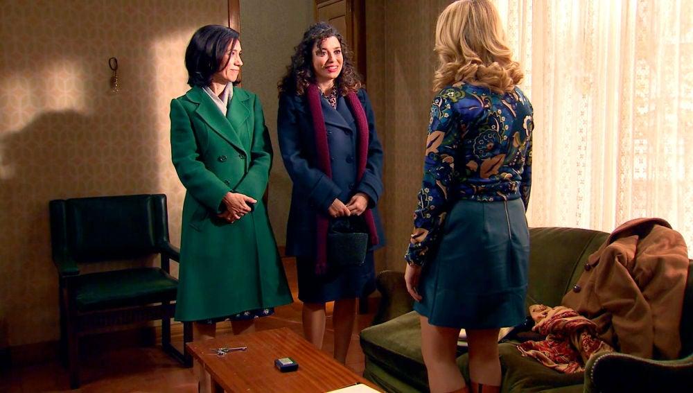Amelia y Luisita, comienzan una nueva vida juntas con el gran apoyo de Manolita