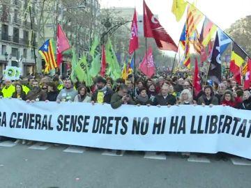 Atendidas 37 personas por los incidentes durante la huelga general en Cataluña