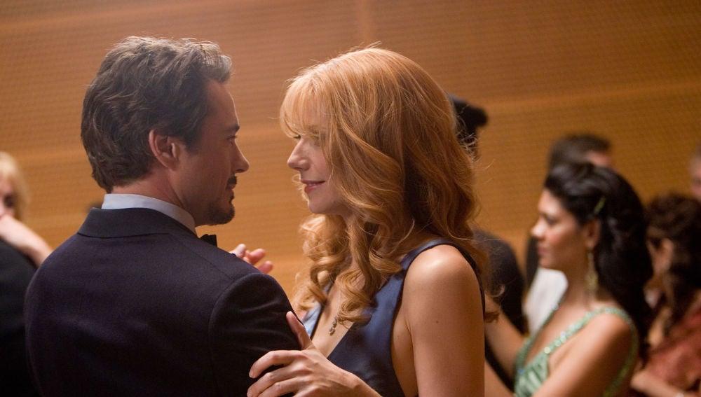 Robert Downey Jr. y Gwyneth Paltrow como Iron Man y Pepper