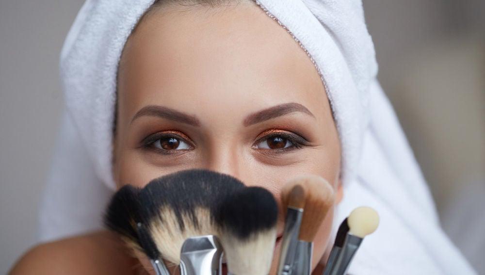 b31fc93ef Trucos de maquillaje para estar como una diosa en menos de media ...