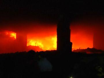 Al menos tres muertos y 50 heridos en un incendio en Bangladesh