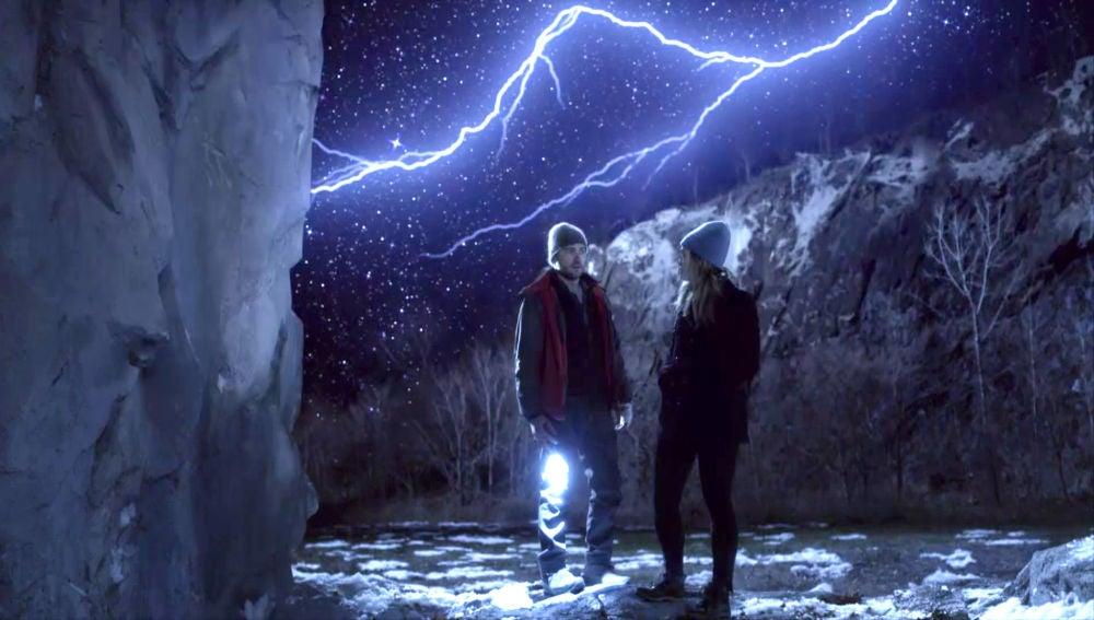 """Michaela y Zeke comparten una visión: """"Vuelve""""... pero, ¿a dónde?"""