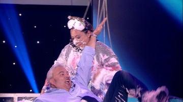 Alfonso y Pilar, 'entartados' para celebrar su triunfo en 'Apuesto por ti'