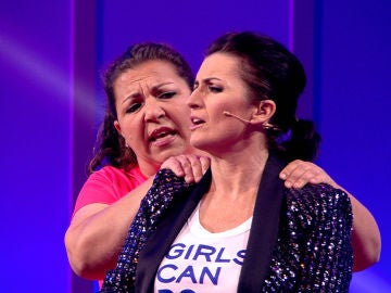 Silvia Abril se deja 'toquetear' por una concursante