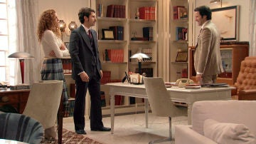 Natalia y Carlos se enfrentan a Gabriel con desprecio por sus sucias artimañas en los negocios