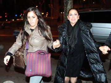 Isabel Pantoja junto a su sobrina Anabel Pantoja