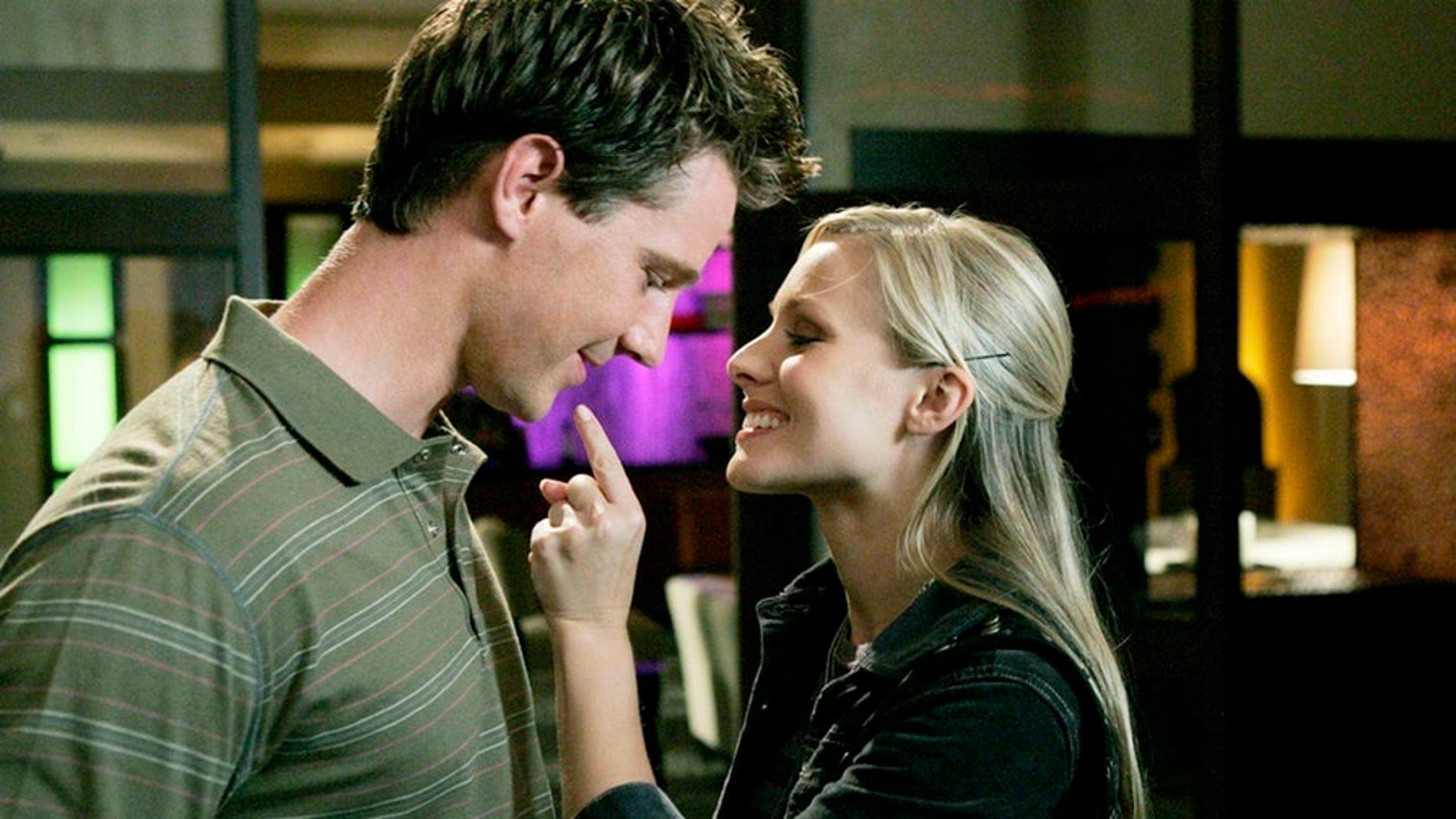 Jason Dohring y Kristen Bell en 'Veronica Mars'