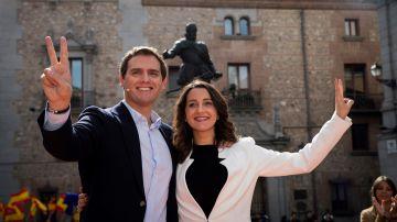 La líder de Ciudadanos en Cataluña, Inés Arrimadas, junto al presidente de Ciudadanos, Albert Rivera