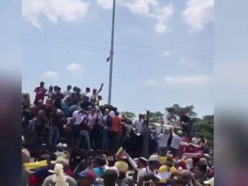 REEMPLAZO | Llegan dos camiones con ocho toneladas de ayuda humanitaria a la frontera de Brasil con Venezuela