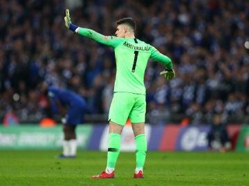 Kepa Arrizabalaga pide no ser cambiado en Wembley