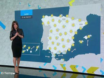 El lunes, poco nuboso o despejado en toda España, y levante en el Estrecho