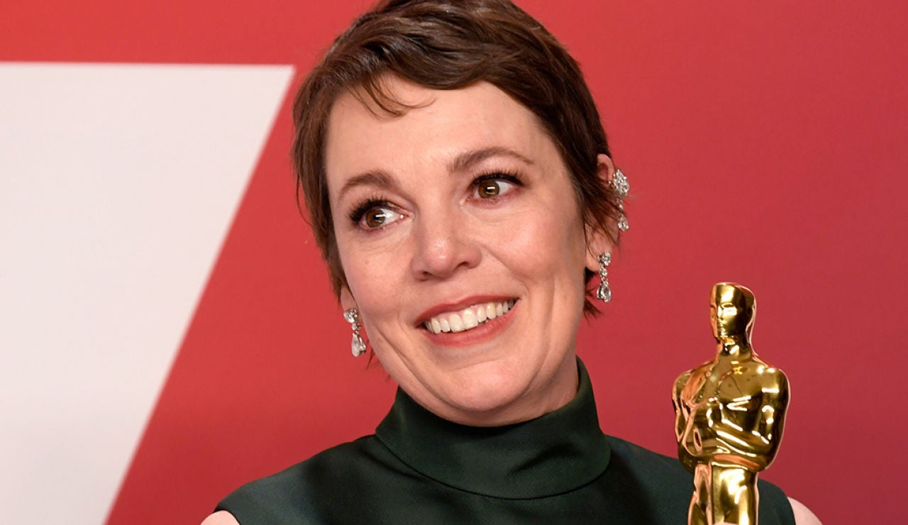La actriz Olivia Colman con su Oscar