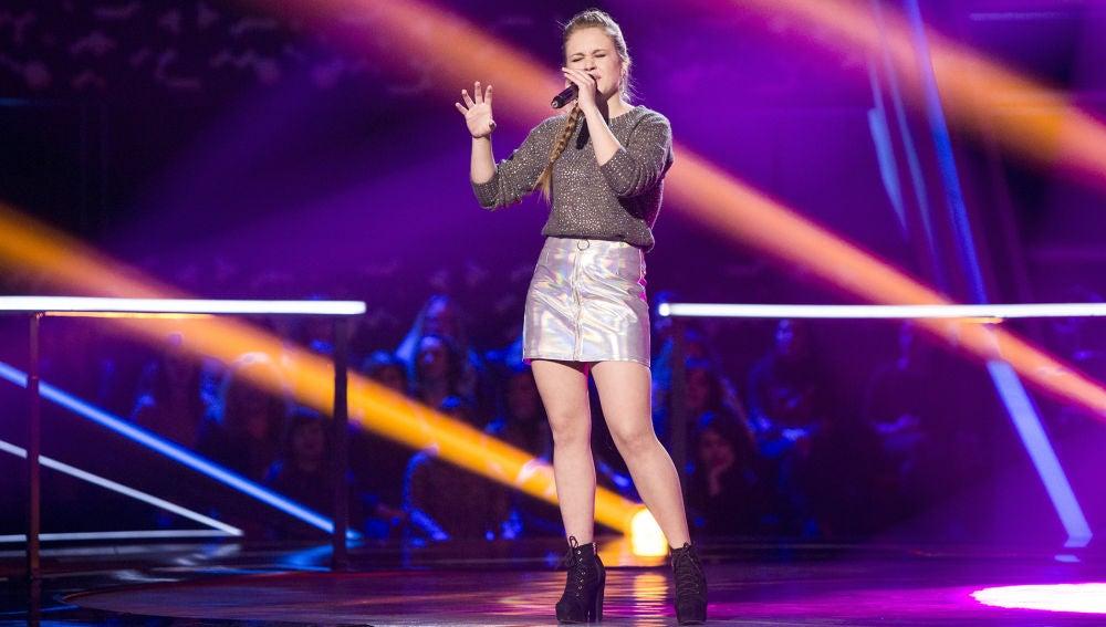 VÍDEO - Lorena Santos canta 'Miedo' en los Asaltos de 'La Voz'