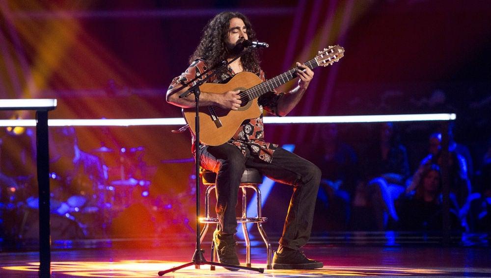 VIDEO: Tomás Basso canta en los Asaltos de 'La Voz'