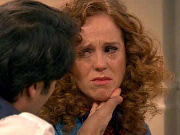 Natalia sigue envenenando a Gabriel a quién desprecia cada día más